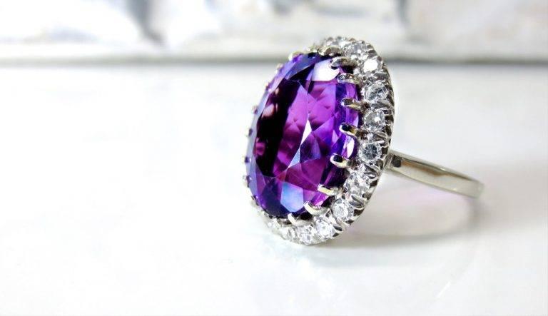 10 Beautiful Jewelry Trends to Make You Shine.