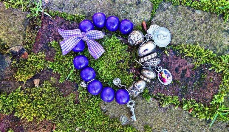 Jewelry Addicts Charm Bracelets are Classic Elegant and Desirable https://jwlraddicts.com/charm-bracelets-are-classic/